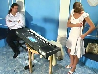 Russian slavegirl punishes herself