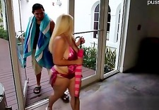 Young slut pussy spanking